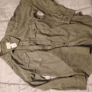 New with tags American Eagle soft military shirt M